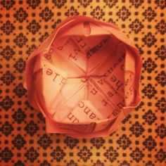 Progetto di MilanoFree #poesieinfiore #origami #milano http://www.youtube.com/watch?v=NAQkuvao3sQ