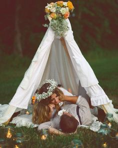 A veces es necesario perderse para volvernos a encontrar...  Megan W Photography #ubo #unabodaoriginal #boda #bodas #tipisboda #blogdebodas