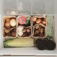 ケースの中を更に紙袋で仕切ると、野菜のボリュームによってスペースが自由に変化。その時によって野菜を使うペースが様々まちまち・・・という方にはおすすめです。 もっと見る
