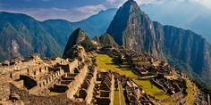 Machu Pichu (Peru) é o berço da civilização Inca, uma das civilizações antigas mais avançadas e misteriosas da história. A cidade se mistura com a paisagem fantástica no topo de uma montanha de 2.400 m de altitude, no Peru. O lugar é considerado patrimônio mundial pela Unesco e é um dos pontos turísticos mais visitados do país. A área urbana é composta de templos, praças e mausoléus, enquanto a área agrícola é formada por terraços e lugares para armazenagem de alimentos. GETTY IMAGES