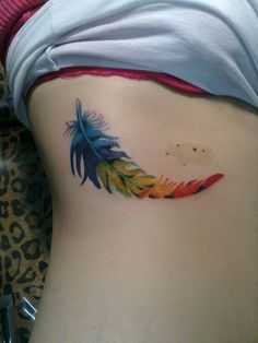 pluma by Tatuajes Alejandro Tilleria, via Flickr
