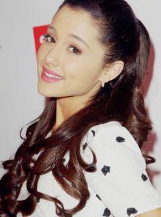 Ariana hairstyle #hair http://pinterest.com/ahaishopping/ I ❤ Ariana Grande