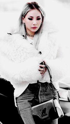 CL CL 2NE1 2NE1 2ne1neversaygoodbye black and white Queen of Kpop beautiful koreafashion asian woman   istayupcashinginmybedluck.tumblr.com