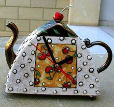 gappa-ceramic-clock-teapot-471x443