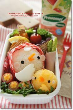 日本人のごはん/お弁当 Japanese meals/Bento. 雌鶏&ヒヨコ弁当。Bento chicks