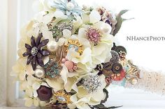 Listing for Brandy vintage brooch bouquet