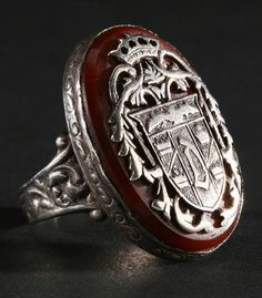Bela Lugosi's Dracula ring. Zachary Bagans of Ghost Adventures also has this ring. Lugosi Dracula, Vampires And Werewolves, Ghost Adventures, Famous Monsters, Classic Monsters, Werewolf, Vampire Diaries, Horror Movies, Antique Jewelry