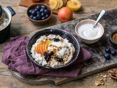 Våre beste oppskrifter på hjemmelaget grøt | Meny.no Acai Bowl, Tapas, Snacks, Breakfast, Food, Acai Berry Bowl, Morning Coffee, Appetizers, Essen