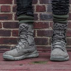 Nike sfb sage green (:Tap The LINK NOW:) We provide the best essential unique equipment and gear for active duty American patriotic military branches, well strategic selected.We love tactical American gear Military Boots Outfit, Combat Boot Outfits, Black Combat Boots, Nike Sfb Boots, Nike Boots Mens, Urbane Mode, Yellow Boots, Green Shoes, High Top Sneakers