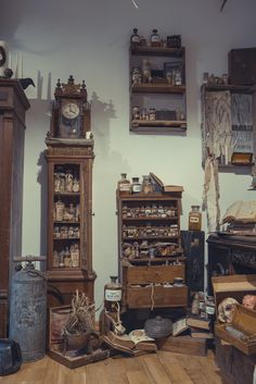 Halloween 2018 Halloween 2018, Clock, Passion, Antiques, Wall, Home Decor, Watch, Antiquities, Antique