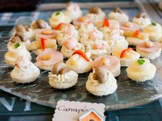 Canapés chilenos Mini Cupcakes, Tapas, Catering, Sushi, Ethnic Recipes, Desserts, Food, Baby Shawer, Queso