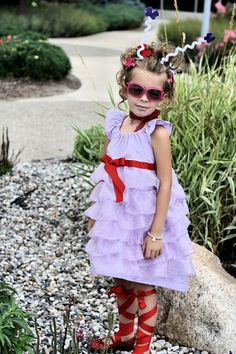 FANCY NANCY | a great Halloween costume for your fancy little girl who loves books! #literary #costumes #halloween