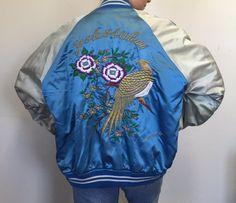 Bleu brodé de veste Vintage Souvenir Japon oiseau satin bombardier léger veste pour femmes hommes sukajan grande veste pour suivre letterman yokosuka
