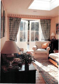 Curtain Styles That Work in Harmony With Your Home Curtain Styles, Curtain Designs, Curtains, Home Decor, Blinds, Interior Design, Draping, Home Interior Design, Window Scarf