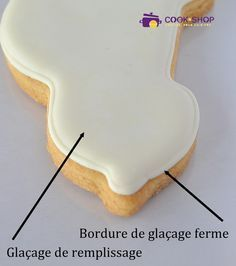 How to Glaze a Royal Icing Cookie Icing cookies can seem different . Sugar Cookie Icing, Easy Sugar Cookies, Royal Icing Cookies, Sugar Cookies Recipe, Cookie Glaze, Sugar Cake, Bolacha Cookies, Galletas Cookies, Easy Cake Recipes