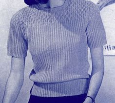 Success Girl Sweater knit pattern originally published by the Spool Cotton Co, Book 189, in 1942.