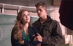 Holland Roden and Max Carver in Teen Wolf Teen Wolf Twins, Lydia Teen Wolf, Teen Wolf Stiles, Teen Wolf Cast, Carver Twins, Max Carver, Parrish Teen Wolf, Jordan Parrish, American Actors