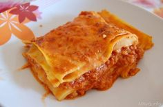 Le lasagne alla bolognese sono uno dei miei piatti forti. Quandoho ospiti a pranzo evoglio andare sul sicuro preparo il ragù alla bolognese e ci condisco la