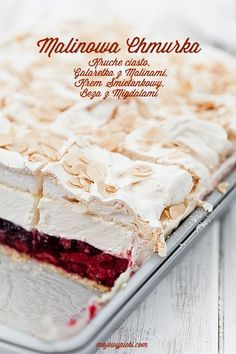 short pastry with raspberry jelly, vanilla cream cheese and almond meringue Sweet Recipes, Cake Recipes, Dessert Recipes, Short Pastry, Delicious Desserts, Yummy Food, Pavlova, Cookie Desserts, Food Inspiration