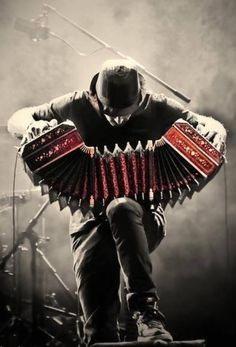 This is a bandoneon. It is culturally important in Argentina as it is used to play the music in which the tango is danced to. The tango is an Argentinian's favorite dance. Music Love, Music Is Life, My Music, Music Mix, Tango Art, Montreux Jazz, Street Musician, Argentine Tango, Cello