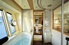 Internal view Ferretti Yachts - Ferretti 881 RPH #yacht #luxury #ferretti