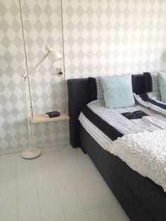 Schommel nachtkastje, white bedroom