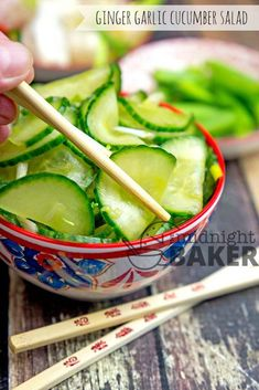 Not your usual cucumber salad! This one has an Asian flair. Asian Cucumber Salad, Cucumber Recipes, Detox Recipes, Salad Recipes, Yummy Recipes, Yummy Food, Jai Faim, Canning Vegetables, Pickled Garlic