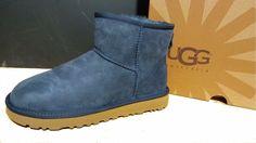 UGG AUSTRALIA WOMENS Classic Mini II boots NAVY 1016222