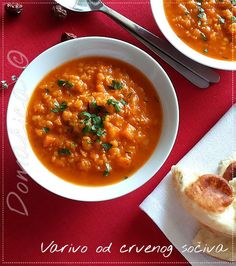 Pikantno varivo od crvenog sočiva ... Recept je sasvim jednostavan i uzeće samo 30 minuta za kuvanje i jednu jedinu šerpicu :) Sočivo smo jeli uz vruće lepinje i sve zajedno je bilo neopisivo dobro :) #crvenosočivo #sočivo #čili #djumbir #ručak #jednostavno #kokosovoulje #posno #sokodparadajza #šargarepa #vege #redlentils #ginger #coconutoil #turmeric #lentils #tomatojuice #lunch #Food #ricetta #recipes #homecooking #serbian #homemade #foodphotography #foodbloggers #Goodfood #рецепты…
