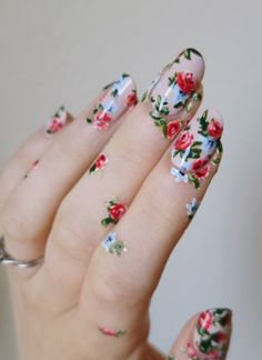 Awesome Floral Nail Art Design Tutorial 2018 #floralnail #nail #nailart #nailpolish #tutorial #beauty #naildesign2018
