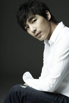 Jin Yi Han turns the big 35 today, and it looks good on him!
