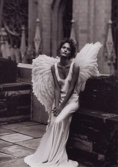Stunning. Model in Angel Wings #camillestyles