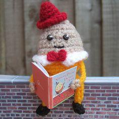 #easter Humpty Dumpty Cadbury's Creme Egg Cosy pattern by Secret Corridor