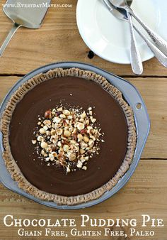 Grain Free Gluten Free and Dairy Free Chocolate Pudding in a Crisp Hazelnut Pie Crust. Make in advance and feed a crowd! Gluten Free Sweets, Paleo Dessert, Low Carb Desserts, Healthy Desserts, Vegan Sweets, Dessert Recipes, Chocolate Pie With Pudding, Paleo Chocolate, Chocolate Hazelnut