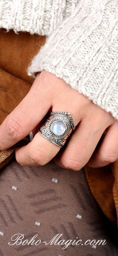 Vintage Schmuck Edelstein Celtic Jewelry Vintage Boho Ring with Gemstone Hippie Style Ring Engagement Ring