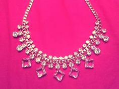 Be the lucky winner of this adorable Statement Necklace - Worldwide Giveaway