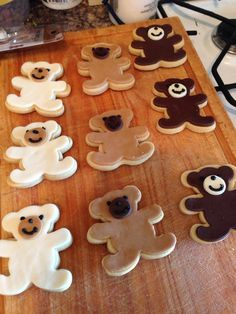 Iced teddy biscuits
