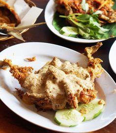 Salted Egg Fried Chicken  www.warung.apung.com