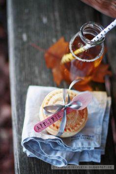 Pink Apple Pies via Fräulein Klein