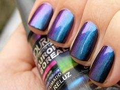 I MUST have this nail polish.  Ludurana Aurora Boreal Polish - Reluz