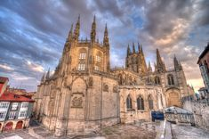 Burgos katedralen More Photos, Barcelona Cathedral, Statue, Paris, Architecture, Building, Travel, Hu Ge, Cordoba