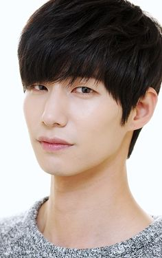 Song Jae Rim Talks About Love http://www.kpopstarz.com/articles/144698/20141201/song-jae-rim-talks-about-love.htm