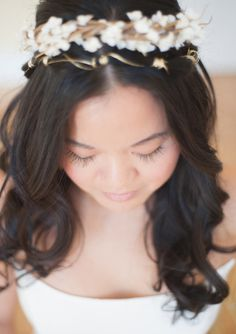 Add a touch of vintage with a subtle gold and white floral crown. (via 100 Layer Cake) Hippie Wedding Hair, Hair Design For Wedding, Wedding Ideas, Elegant Wedding Dress, Rustic Wedding, Cute Hairstyles, Wedding Hairstyles, White Floral Crowns, Blue Bridesmaid Dresses