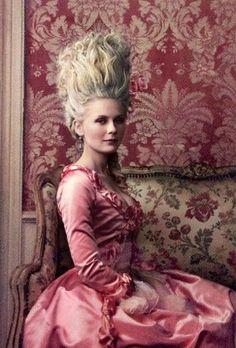 marie antoinette by annie leibovitz, vogue. | Kirsten Dunst en Marie Antoinette par Leibovitz