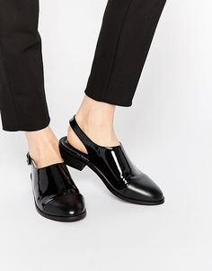 http://www.asos.fr/asos/asos-moment-of-truth-chaussures-plates/prd/5962861?sort=3