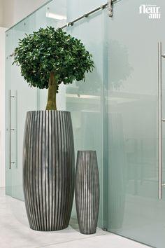 LINES planter and vase by fleur ami ● Pflanzgefäß und Vase von fleur ami
