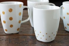 DIY: Gold   White Mugs