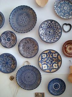 The beautiful blues of Moroccan pottery, via goodbreadandlinen. - The beautiful blues of Moroccan pottery, via goodbreadandlinen…would love to do a wall in the Kit - Blue Moroccan Tile, Morrocan Decor, Moroccan Design, Moroccan Plates, Moroccan Bathroom, Moroccan Lanterns, Moroccan Kitchen, Moroccan Theme, Moroccan Wall Art