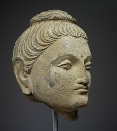 Asian, Gandâra, Head of Buddha, 1st - 2nd century