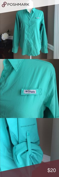 Columbia PFG women's green shirt, size M EUC Omni-shade lt green shirt, snaps in great working order, sleeves can be rolled up & snapped Columbia Tops